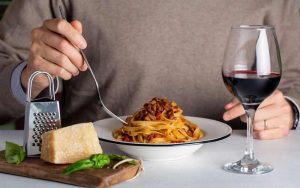 Regel: Rote Soße, roter Wein
